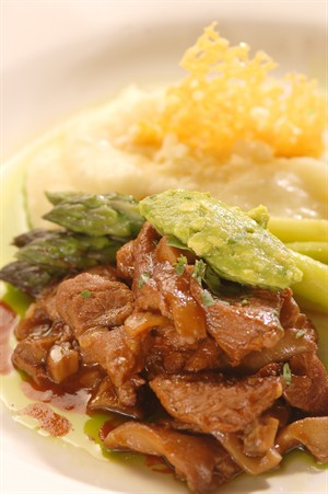 Chipotle Braised Veal Tips, Wild Mushrooms and Asparagus with Cheddar Mashed Potatoes
